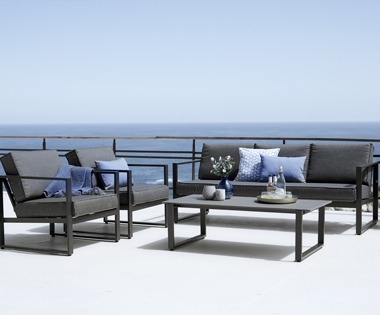5 person black lounge set including cushions