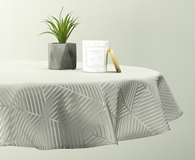 Tablecloth BLOMME in mint