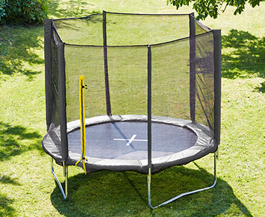 Garden trampoline with safety net