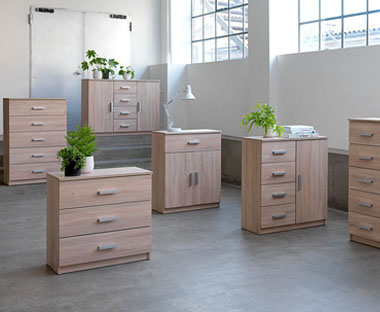 Affordable chest of drawers in light wood