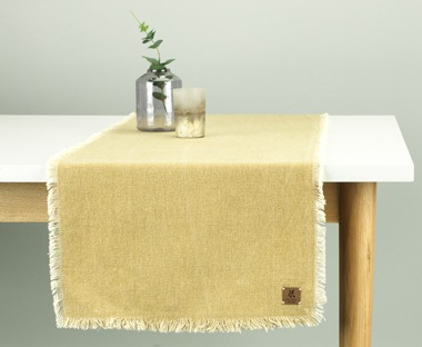 Cotton table runner in yellow