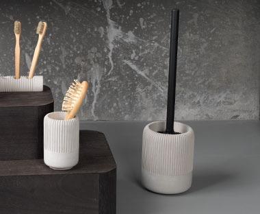 toilet brushes and bins - bathroom essentials   jysk