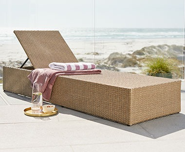 Polyrattan natural sun lounger